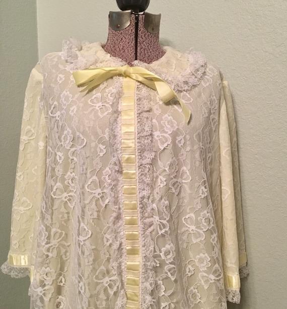 Vintage Odette Barsa Robe, Lace dressing gown, yel