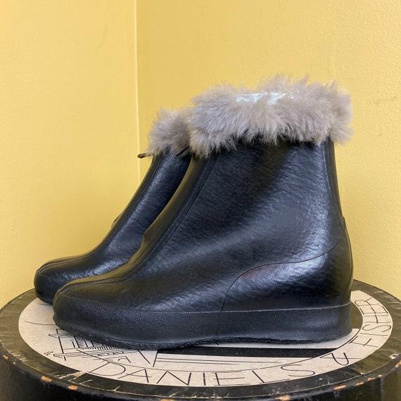 vintage 1930s rain boots // black rubber flats! mi