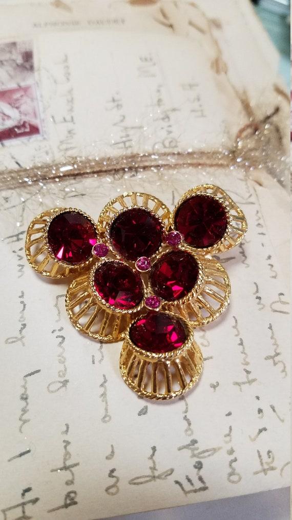 Vintage Gold Tone Ruby Red Rhinestone Brooch