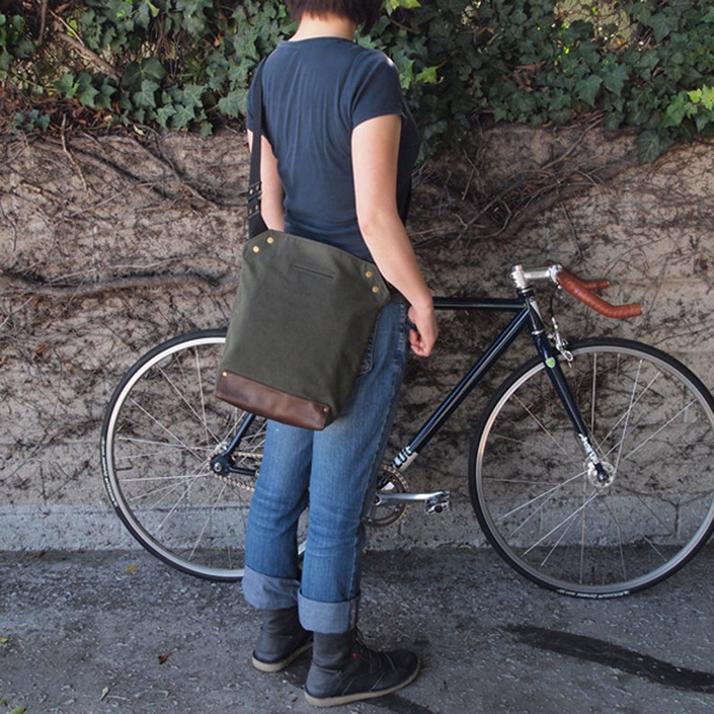Messenger Bag / Small Green  Waxed Canvas Leather image 0