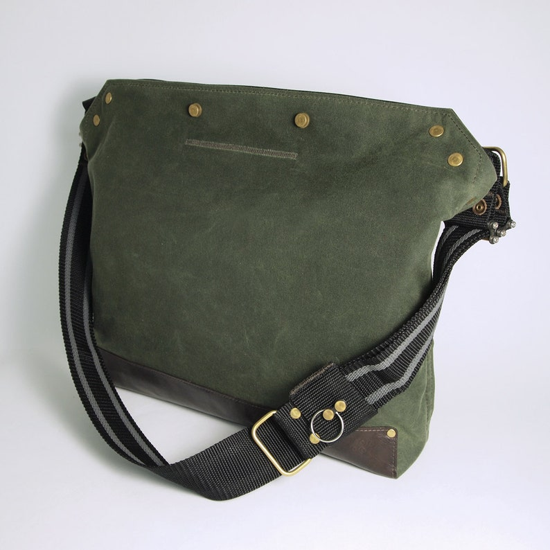 Messenger Bag / Large Green  Waxed Canvas Leather image 0