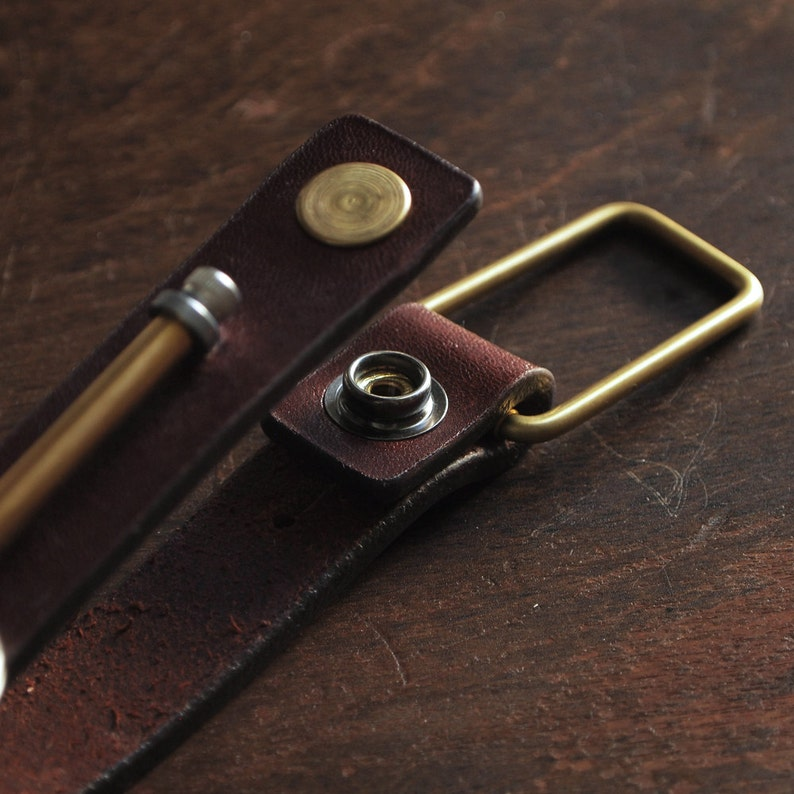 Keychain 01 / Reddish Brown  Genuine Leather Key Holder Key image 0