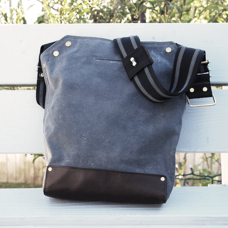 Bike Messenger Bag / Small Gray  Waxed Canvas Leather image 0