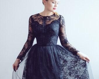 3e4f5ef2180 Short lace evening dress    Ready to ship  One size  Little black dress