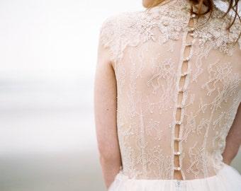 Lace wedding dress / Peitho / Tulle wedding gown ivory