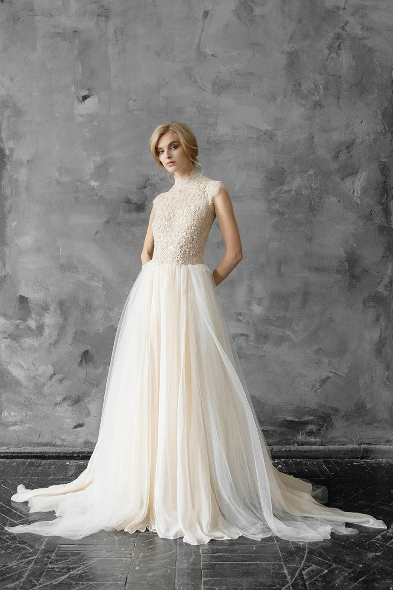 3da4f806db6 Last sample   Tulle wedding gown    Peitho   Champagne