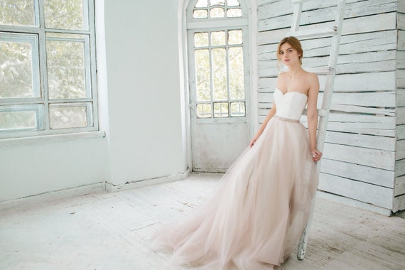 10 Gorgeous Blush Wedding Gowns: Blush Wedding Gown // Dahlia / Sweetheart Corset Wedding