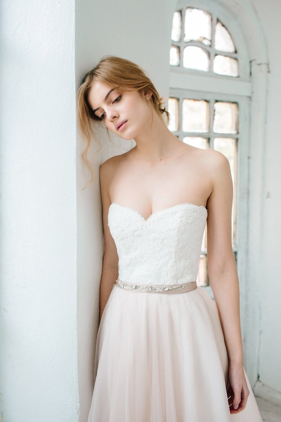 Corset wedding gown //Dahlia / Sweetheart neckline wedding | Etsy