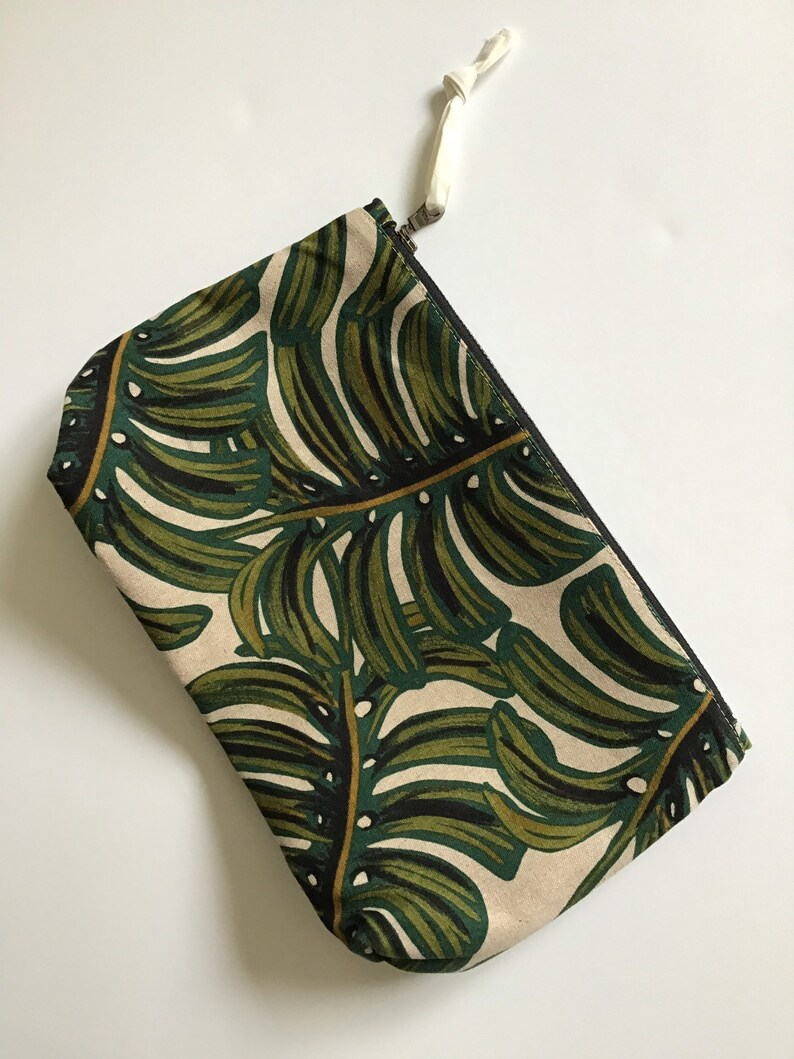 Medium pouch in monstera leaf print cotton and linen cotton image 0