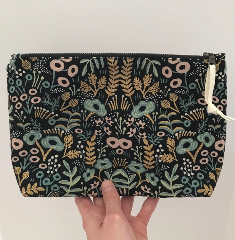 Medium pouch black metallic floral cotton and linen exterior image 0