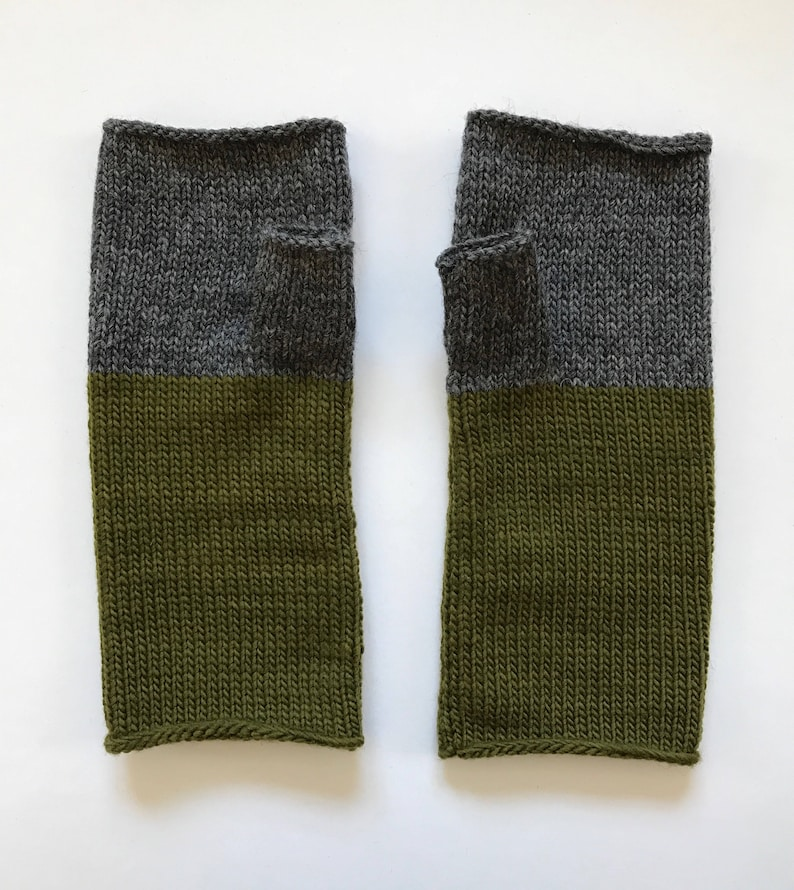 Fingerless Mittens Hand Warmers Wool Fine Gauge in charcoal image 0