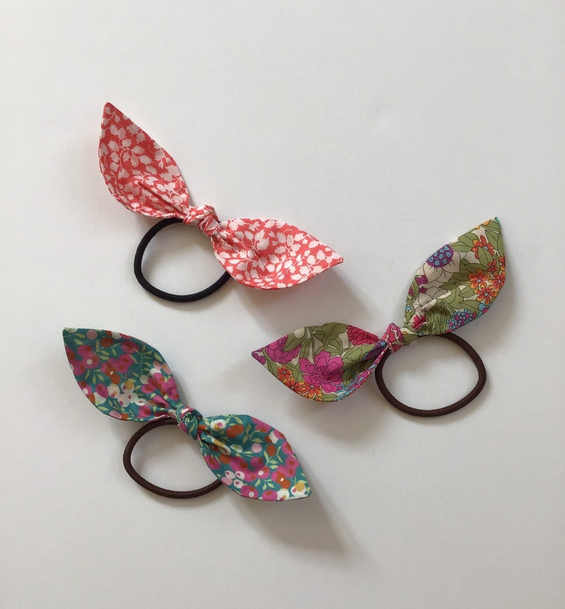 Set of 3 elastic cotton hair bows bright floral prints image 0