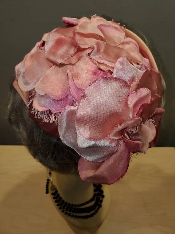 1950's Schiaparelli Pink Satin Floral Cocktail Ha… - image 3