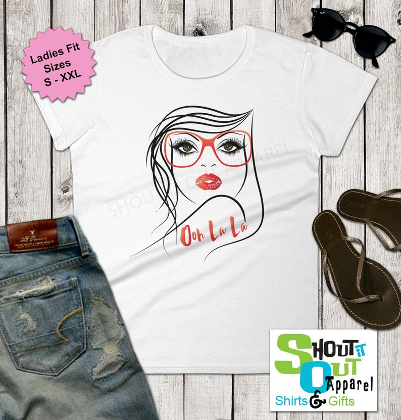 d2c6ed0fd29 Vogue lady shirt Trendy chic tee Hot Mama Vacation shirt