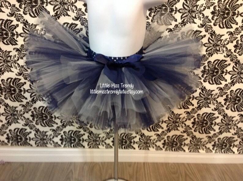 09ed4846b Faldas de tutú azul marino y plata niñas Tutu faldas, falda del tutú, tutú  azul y plateado, falda tutú azul marino, falda del tutú azul marino, ...