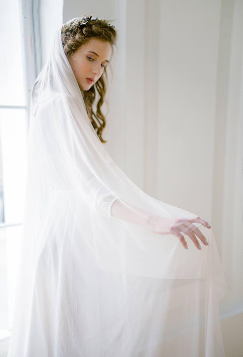 Silk tulle waltz wedding veil