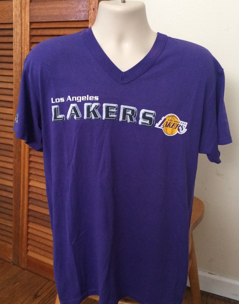 promo code e41ab 25a61 1980s Vintage Lakers T shirt V neck Vintage Los Angeles Lakers Collectibles  Mens Large Womens XL Super Soft NBA Basketball Shirts/Jerseys
