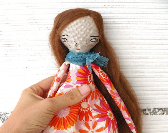 Art doll in cotton and linen. Alpaca baby hair. 28 cm.