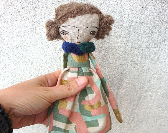 Art doll in cotton and linen. Curly hair. 28 cm.