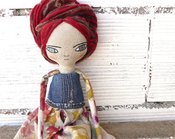 New more stylized model. Art doll in linen and cotton. Silk and wool hair. 16 inches.
