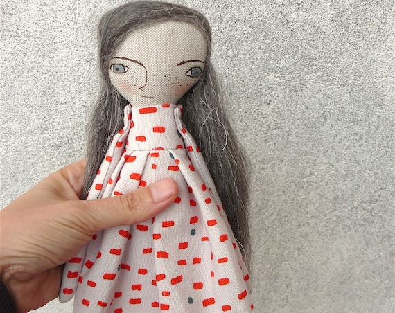 Art doll in cotton and linen. Wool hair. 27 cm. Long hair