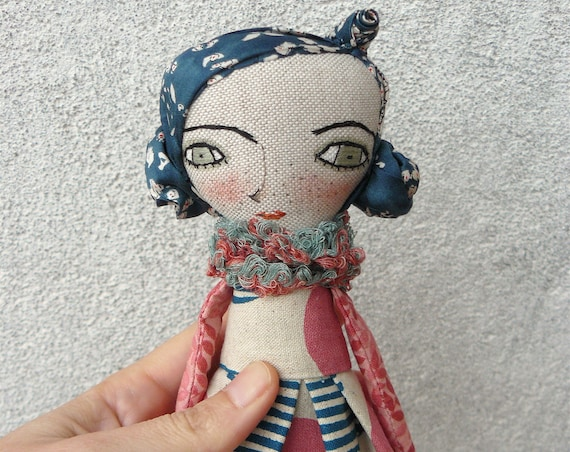 Art doll in cotton and linen. Fabric hair. 28 cm.