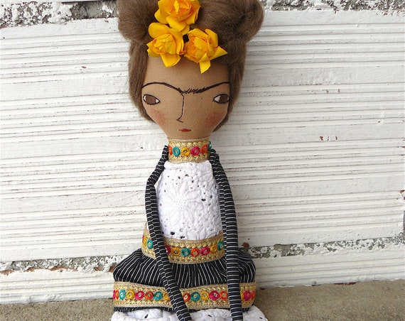 Frida Kahlo rag doll. 16,5 inches.  Frida nº 21 2018 series.