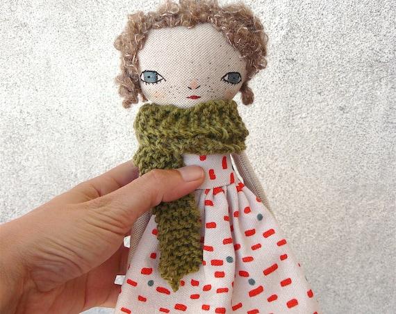 Art doll in cotton and linen. Mohair silk hair. 28 cm. Curly hair