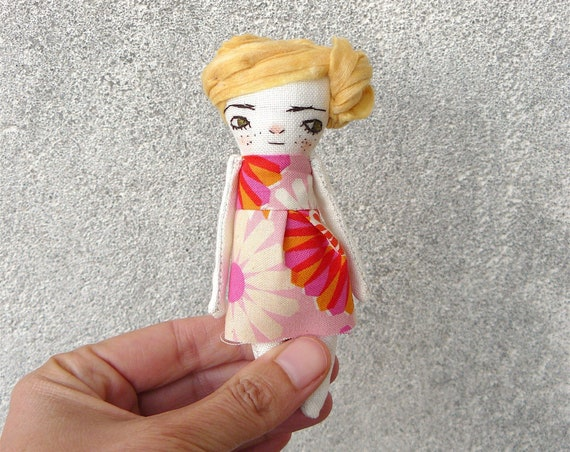 Mini art doll. 5,5 inches. Embroidered and painted. Cellulose fabric hair.