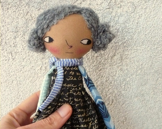 Art doll in cotton and linen. 30 cm. Fabric doll. Cloth doll