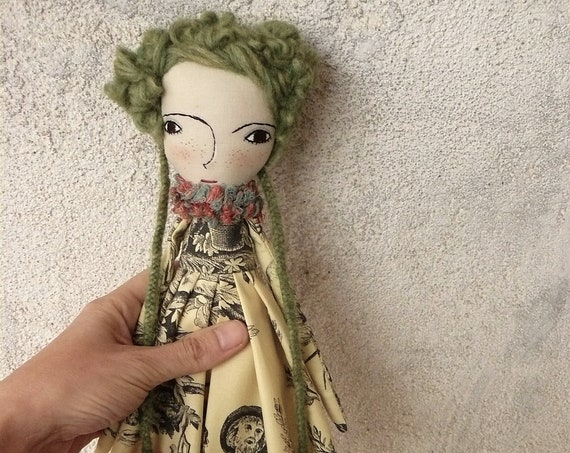 Art doll in cotton and linen. 35 cm. Fabric doll. Cloth doll. Textile doll. Artistic doll. Handmade doll. Textile art