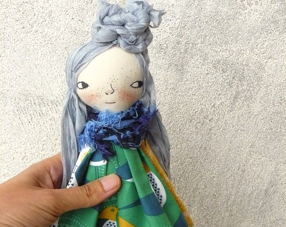 Art doll in cotton and linen. 30 cm.