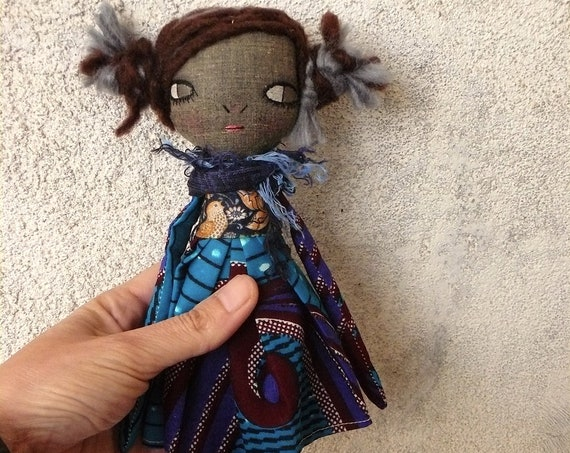Art doll in cotton and linen. 28 cm. Black doll. Black cloth doll. Black fabric doll.