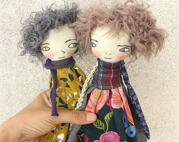 Art doll in cotton and linen. 32 cm. Fabric doll. Cloth doll. Collectible dolls. Textile art. Handmade doll