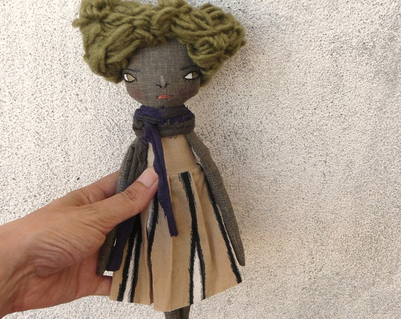 Art doll in cotton and linen. 31 cm. Black doll. Black cloth doll. Black fabric doll.