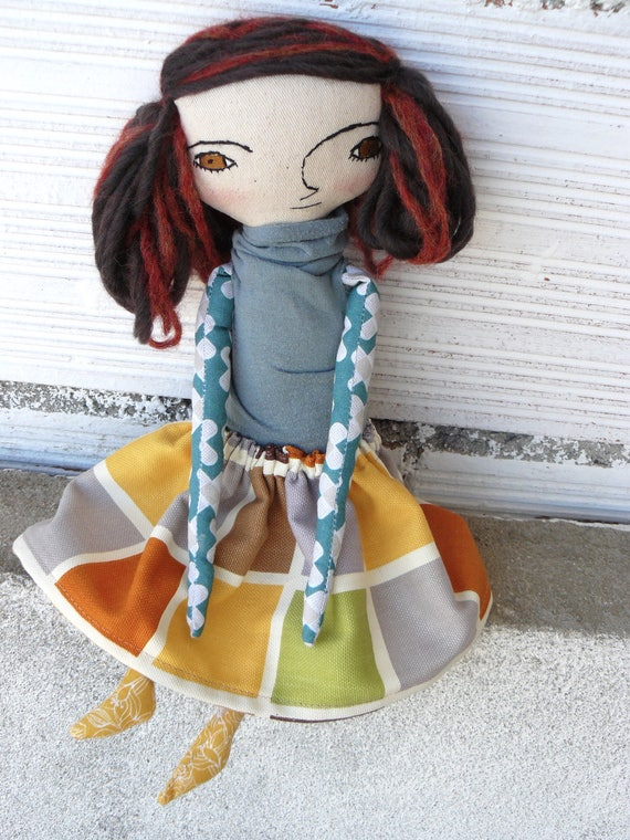 Art doll in cotton and alpaca and silk and wool hair. 32 cm.