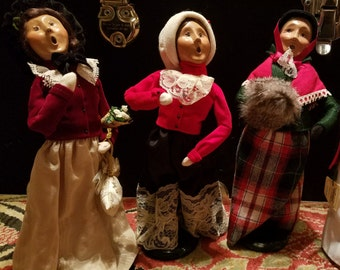 Byers' Choice Ltd. Carolers Choice of Three Women