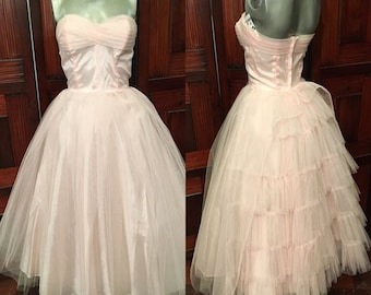 Vintage 1950s Party Dress in Pretty Pink with cascading layers of tulle net Sz XS Prom Wedding