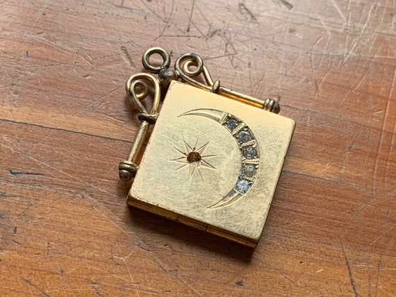 Victorian Moon and Star Gold Fill Locket / Gold Lo