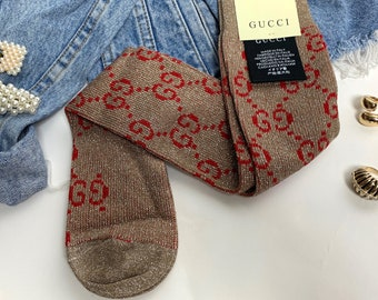 2006c9649338a GG Gucci Designer Style Socks - One Size - Beige Brown with Red Logo