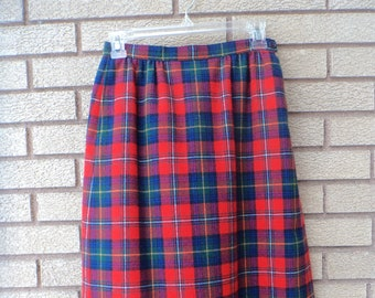 0447983988 Vintage Pendleton Wool Skirt, Plaid Skirt (Size: Women's Petite 8?, 6? )  Boyd Tartan Plaid, Red, Blue Green Plaid, Pencil Skirt, Made in USA