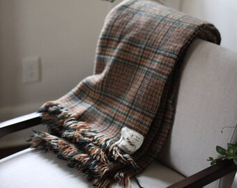 Plaid 100% wool blanket   Made in Scotland  Glenfiddich brand   Able Shoppe