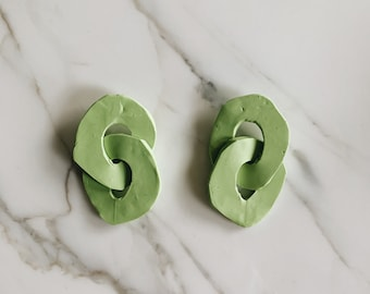 Organic sculptural chain earrings | lime