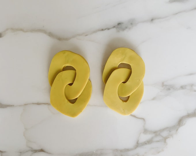 Organic sculptural chain earrings | Zinc yellow