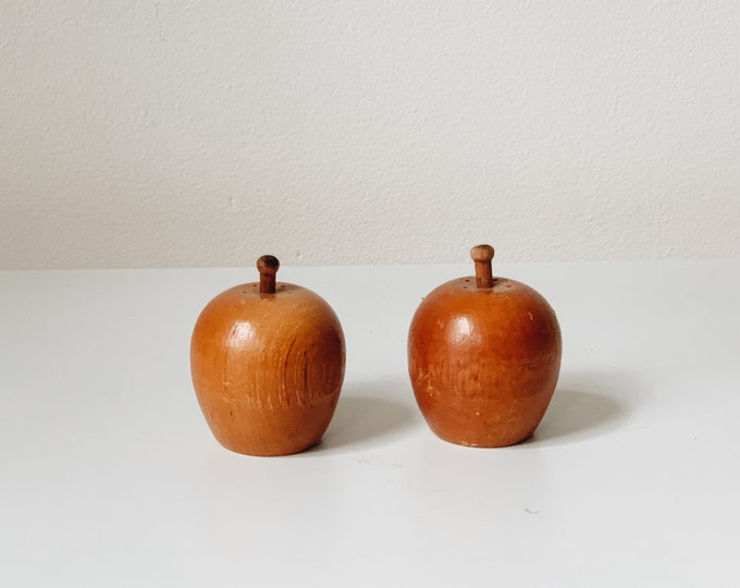 Vintage fruit salt and pepper shakers #9