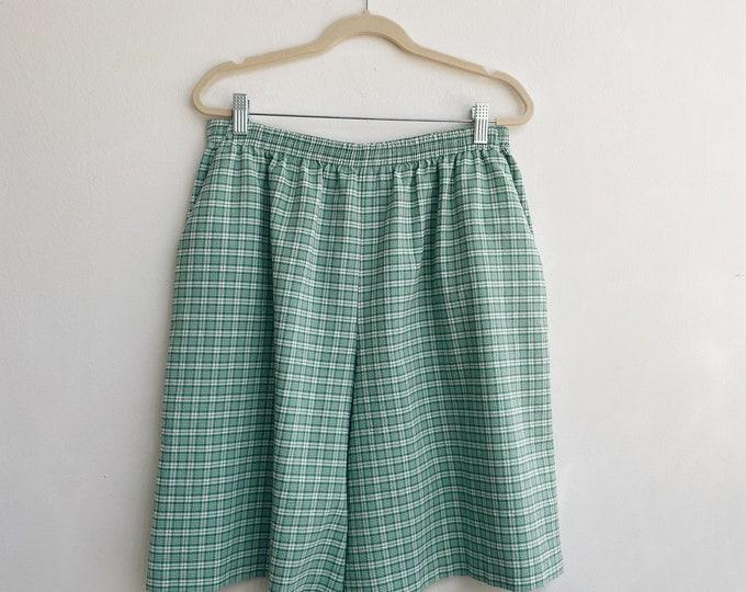 Vintage green pattered shorts