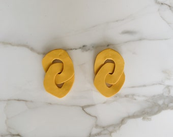 Organic sculptural chain earrings | Canary yellow