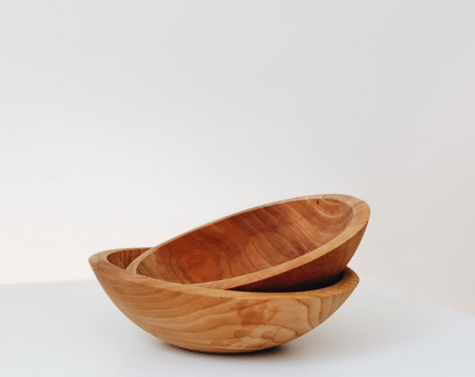 Vintage small wooden bowls made in the USA