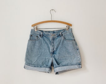 "33"" Levi's denim shorts"