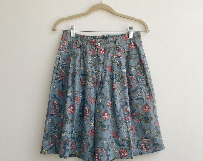Vintage pattered shorts